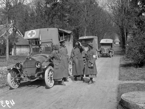 jacques-moreau-ambulance-drivers-at-the-scottish-women-s-hospital-royaumont-abbey-1915
